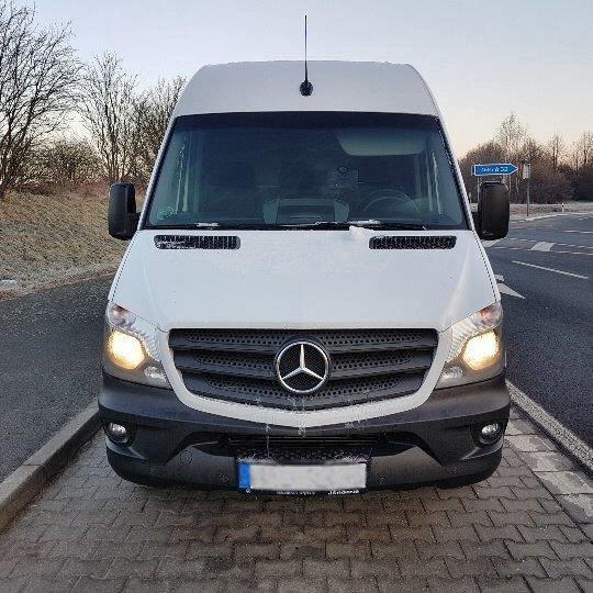 Nach Diebstahl von zwei Mercedes Sprinter  Zwei Täter von der Polizei gestellt