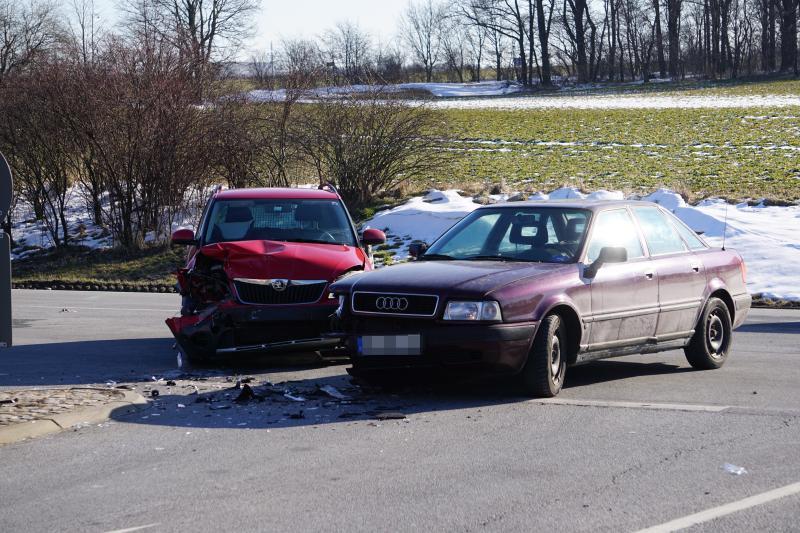 Immer die gleiche Stelle: Unfall auf der S106 mit 2 Verletzten