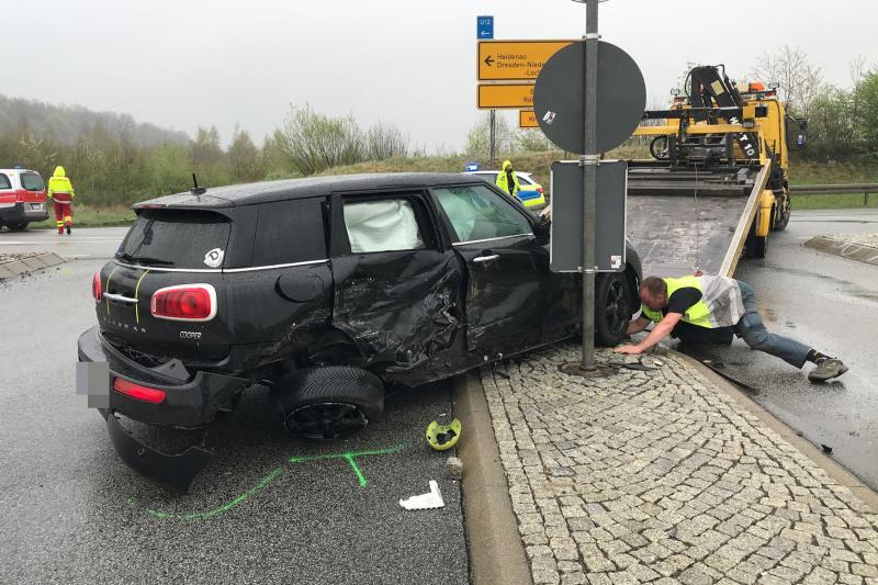 Unfall an Autobahnauffahrt  1 Verletzter