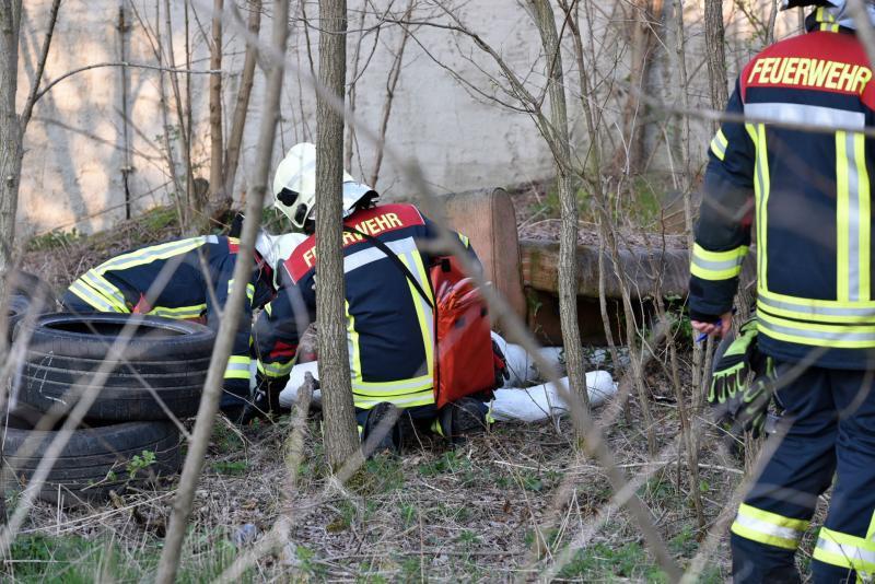 Verpuffung mit eingeklemmten Personen: Feuerwehr probt Ernstfall