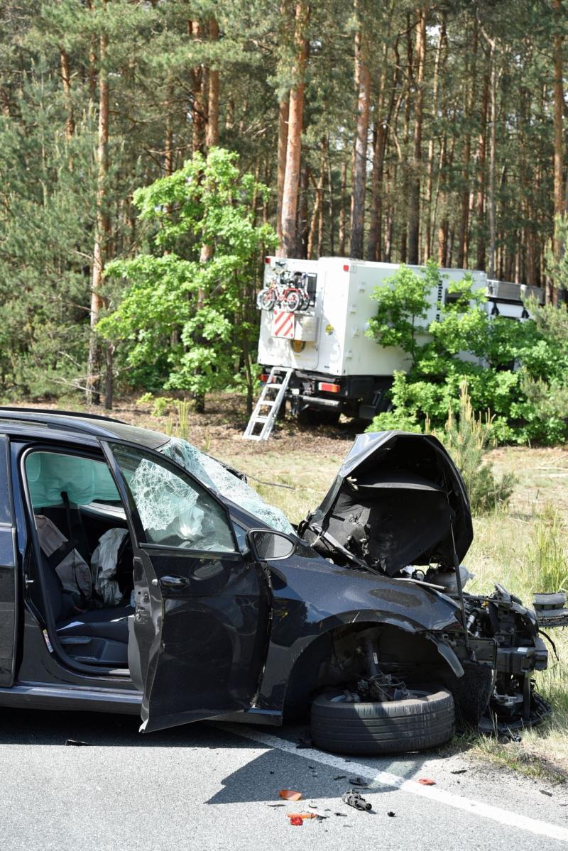 Familienausflug endet mit schwerem Verkehrsunfall
