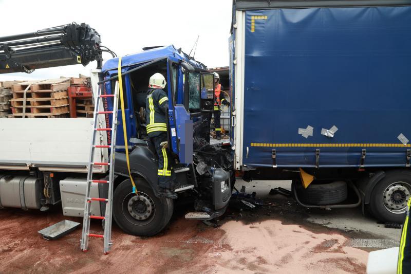 Schwerer Unfall mit 3 LKW