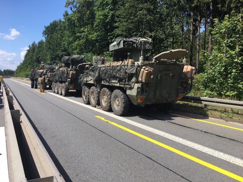 US-Transportpanzer blieben liegen  Vollsperrung