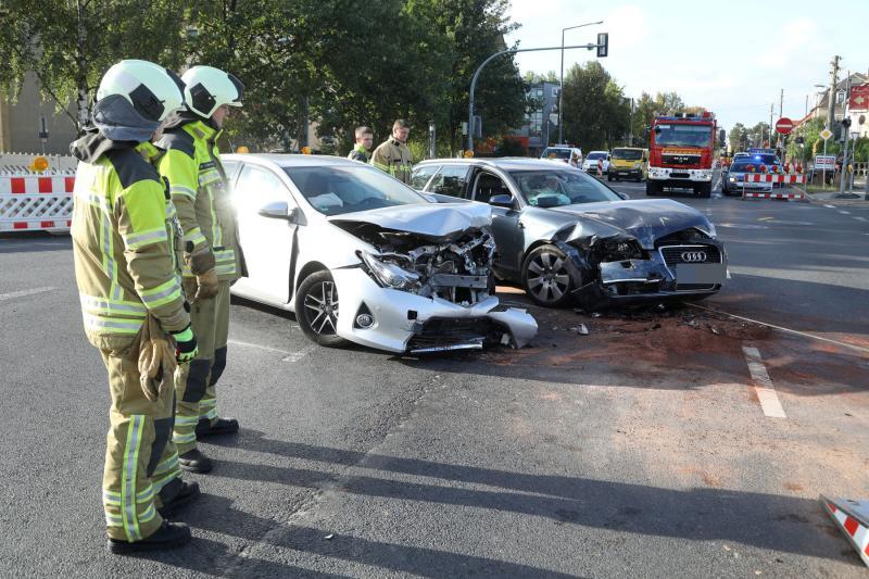 2 Verletzte nach Kreuzungscrash