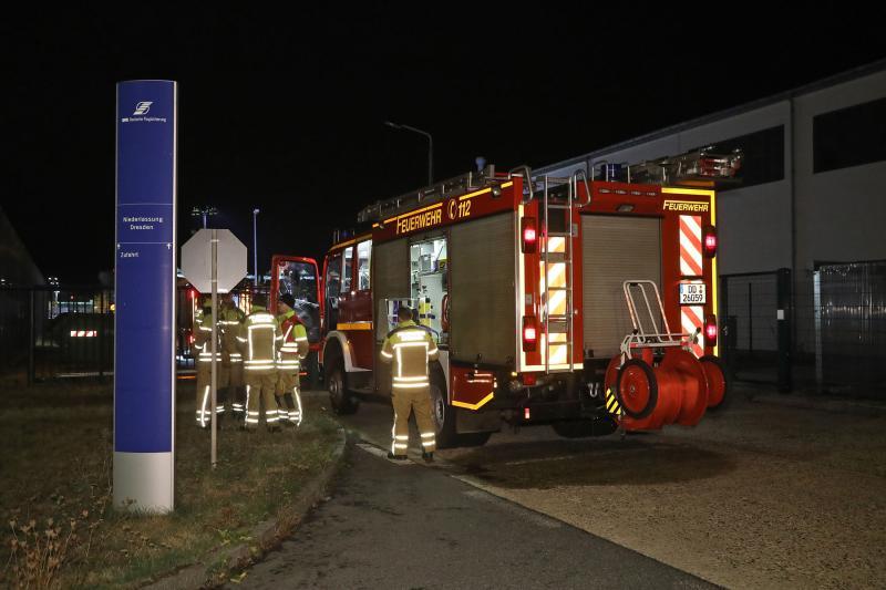 Maschinenbrand in Werkhalle am Flughafen