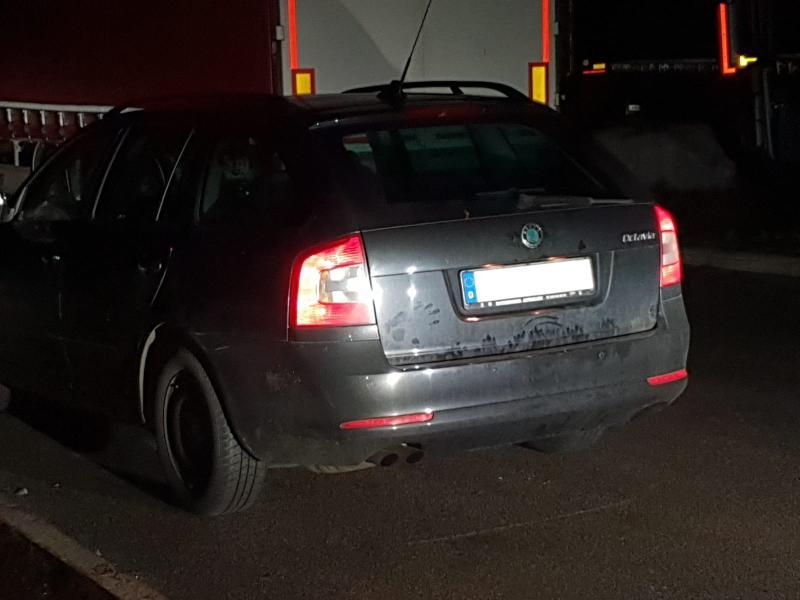 Skoda gestohlen  Täter nach kurzer Flucht gefasst