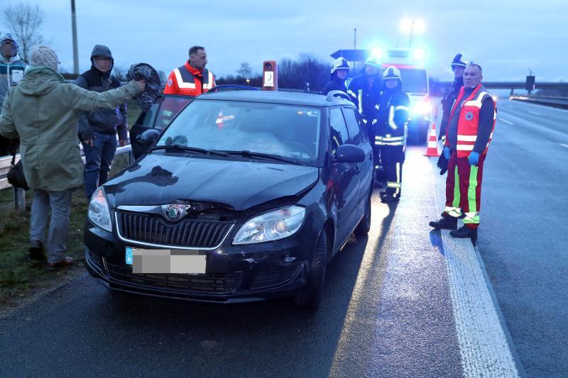 Drei Verletzte nach Unfall wegen Spurwechsel