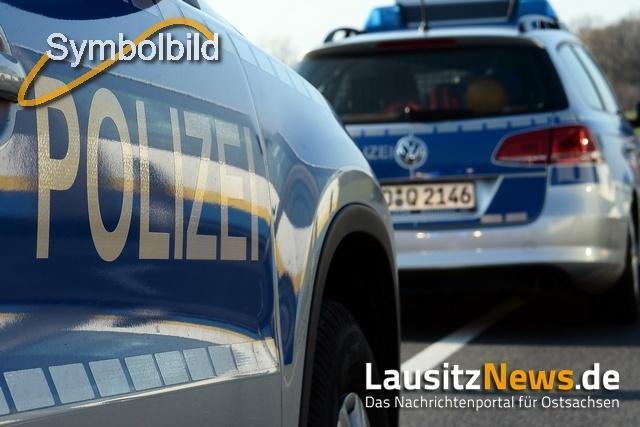Verfolgungsfahrt durch Zittau endet auf polnischem Feld
