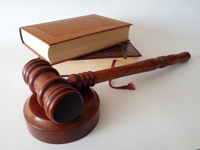 King Abode muss wieder vor Gericht