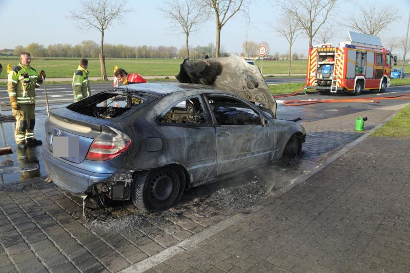 PKW ging auf der Wilschdorfer Landstraße in Flammen auf