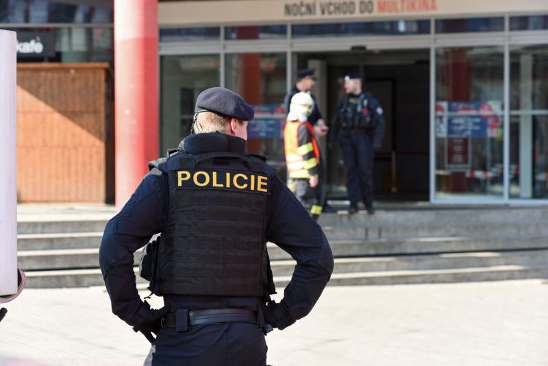 Großeinsatz wegen Bombendrohung in Einkaufszentrum