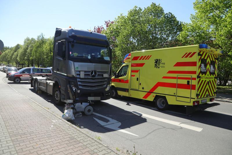 LKW kollidierte mit Rollstuhlfahrer
