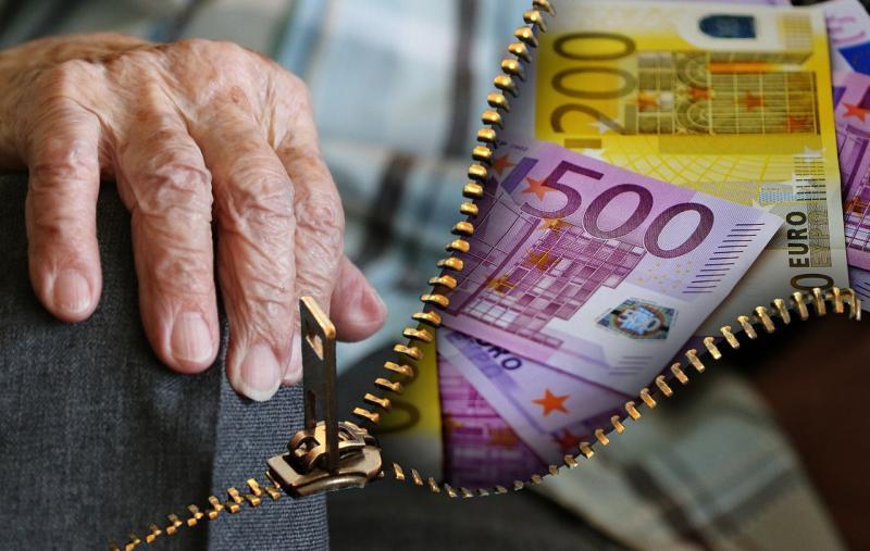 Rentner durch Gewinnversprechen betrogen
