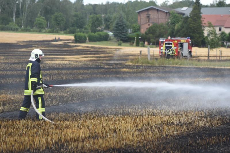 3,5 Hektar Feld abgebrannt