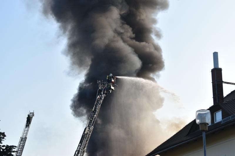 Dachstuhlbrand in leerstehender Fabrik
