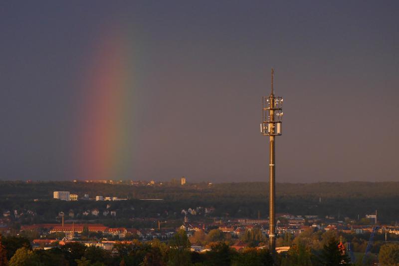 Regenbogen über der Landeshauptstadt