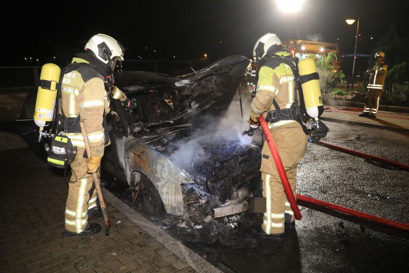 PKW-Brand in Cossebaude - Polizei ermittelt wegen Brandstiftung