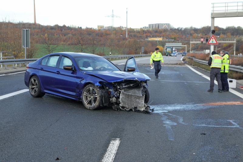 Gestohlener BMW verursacht Unfall nach Verfolgungsjagd