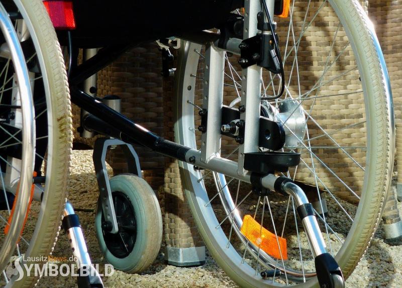 Verkehrsunfall mit Rollstuhlfahrer
