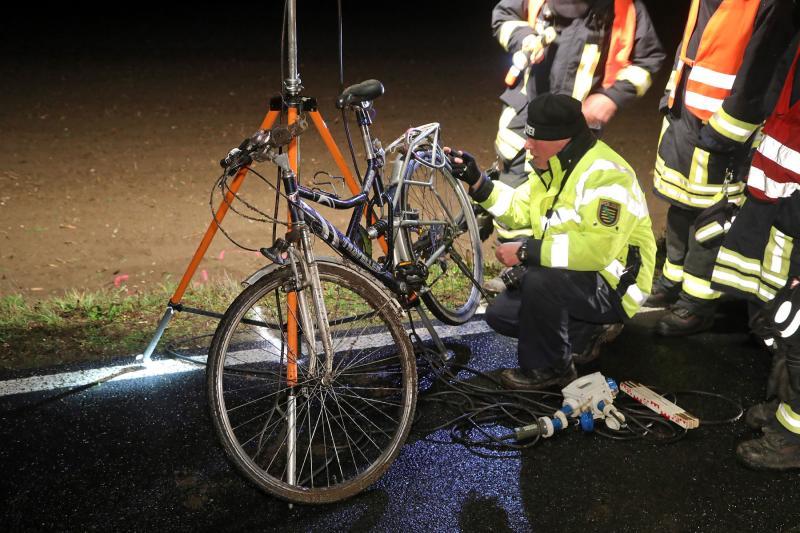 LKW erfasste Radfahrer