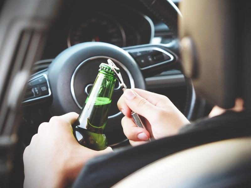 Bürger stoppt betrunkenen Autofahrer