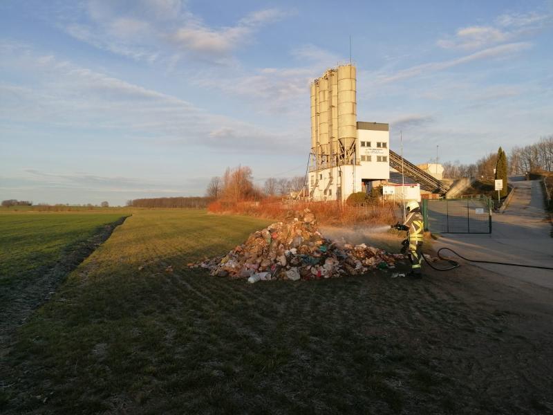 Feuer in Mülllaster - Fahrer reagiert sehr gut