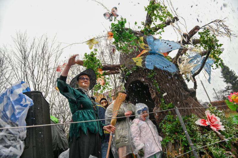 Traditioneller Faschingsumzug lockt hunderte Gäste