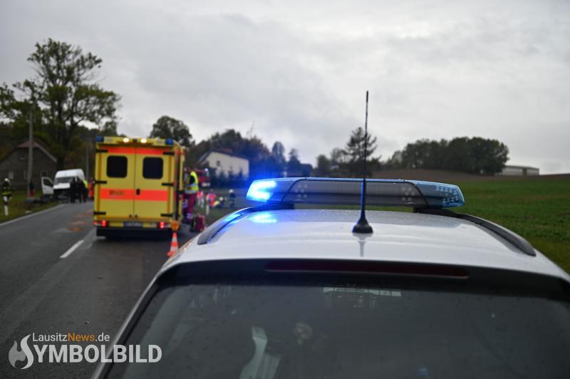 Drei Personen bei Unfall verletzt