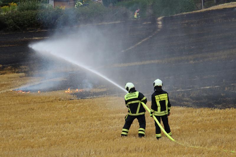 Feld brannte an der Bundesstraße 170