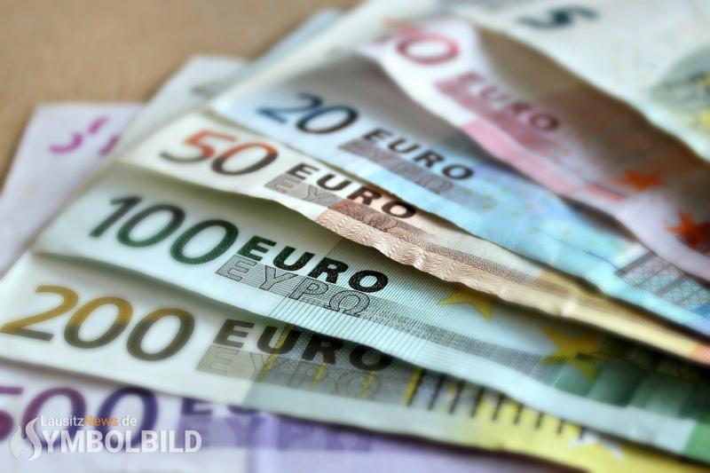 Ukrainer der Schwarzarbeit überführt - 2.500 Euro beschlagnahmt