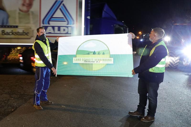 Bauernprotest am Großlager des Lebensmitteldiscounters ALDI
