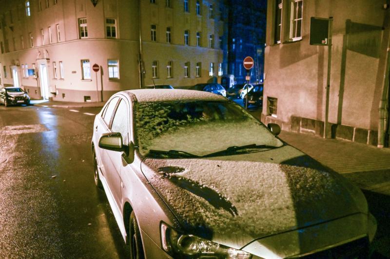 Erste Schneeflocken fallen