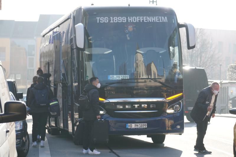 TSG Hoffenheim landet in Bautzen für Spiel in Liberec