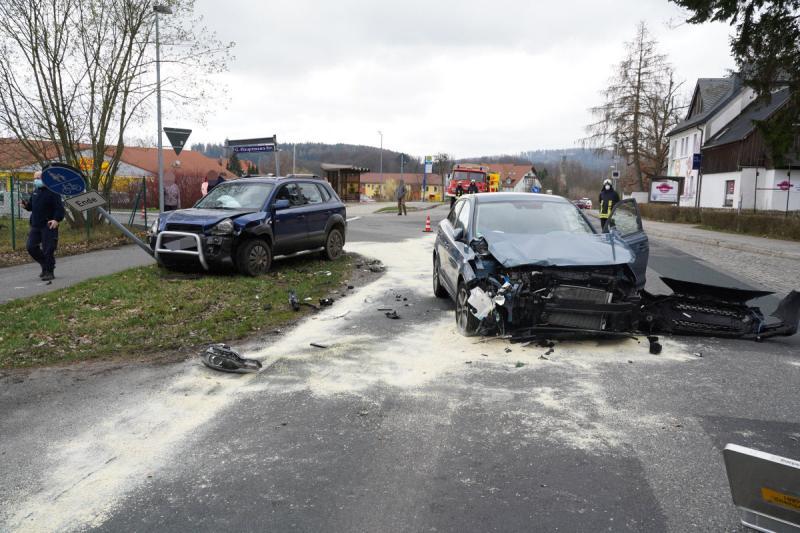 Zwei Verletzte nach Unfall