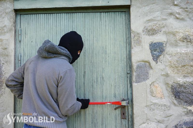 Garage aufgebrochen – Mokick gestohlen