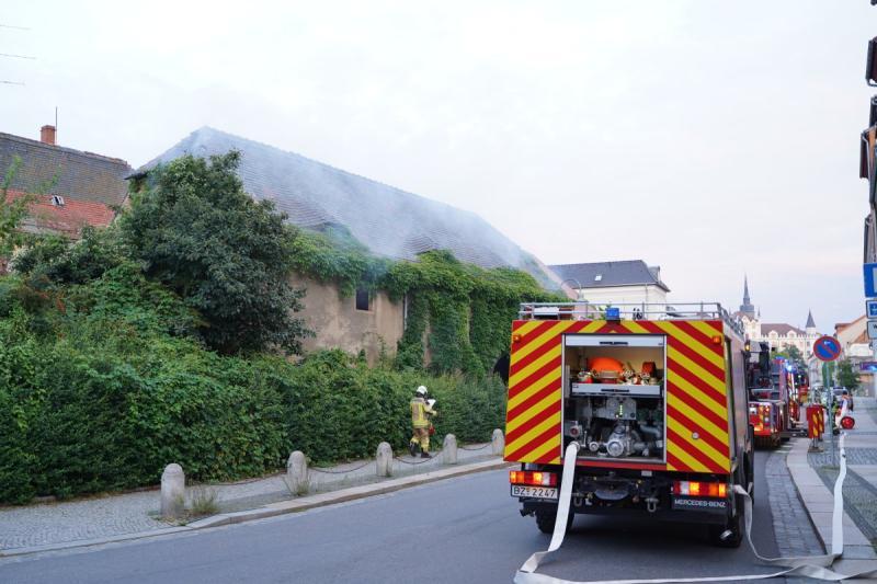 Feuer in leerstehendem Gebäude