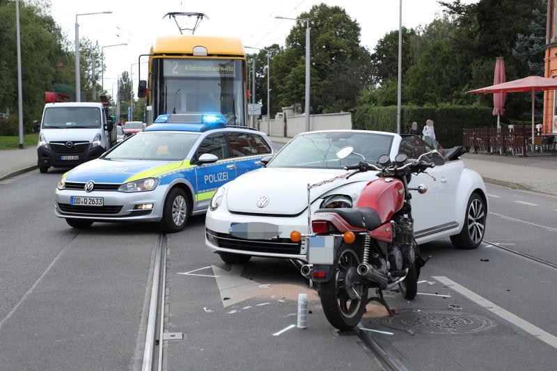 PKW kollidierte mit Motorrad